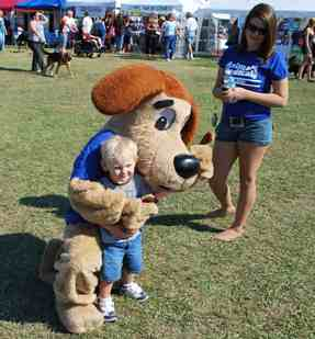 Animal Medical Clinic of Chesapeake mascot makes a friend